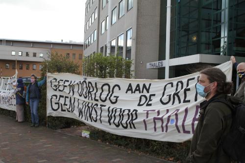 Verslagje: Picketline bij Thales Huizen: Stop wapenexport naar Egypte!